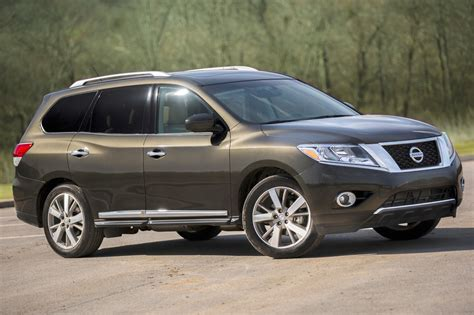 nissan pathfinder  sale pricing features