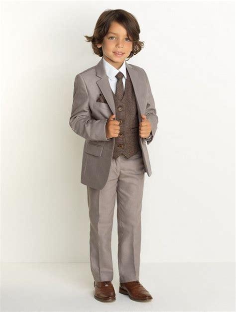 grauer anzug braune schuhe die besten 25 braune anz 252 ge ideen auf brauner anzug hochzeit brauner tweed anzug