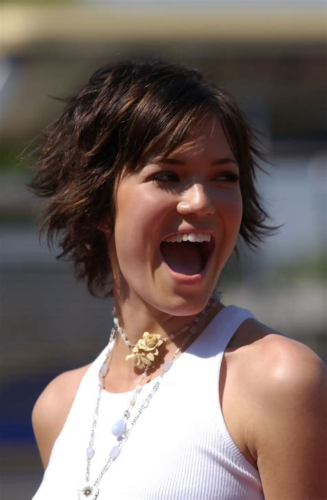 mandy moore hairstyles   faces stylebistro
