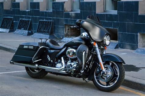 Black Cruiser Motorcycle · Free Stock Photo
