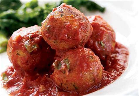 boulettes de viande sauce tomate cuisine italienne boulettes sans viande en sauce tomate coup de pouce