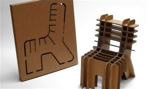 Cadeira De Papelão  Designando O Design