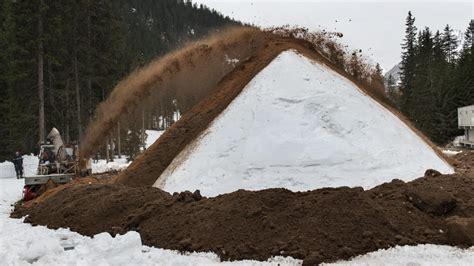 snowfarming schnee von gestern fuer die pisten und loipen