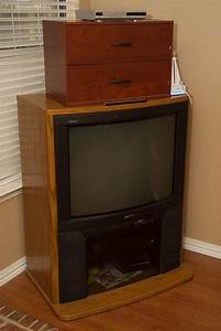 Our Old 1993 32 U0026quot  Sony Trinitron Tv  First Year  I Believe