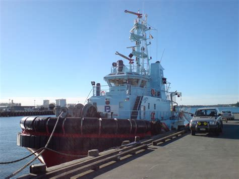 Tow Boat History by File Pb Sea Tow Tug Boat Auckland Port Jpg