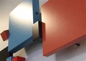 Sculpture Murale Design : sculpture murale en couleurs mobilier les pieds sur la table ~ Teatrodelosmanantiales.com Idées de Décoration