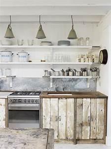 An english white cabin beach home tour white cabin for Kitchen furniture esl
