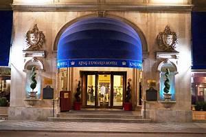 File:Omni King Edward Hotel at night.jpg - Wikimedia Commons