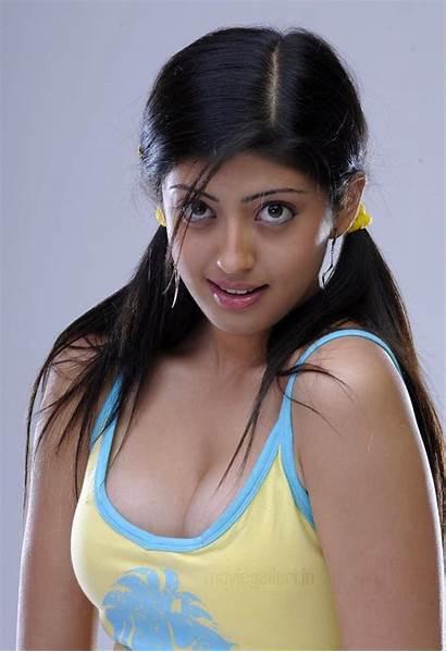 Pranitha Actress Wallpapers Telugu