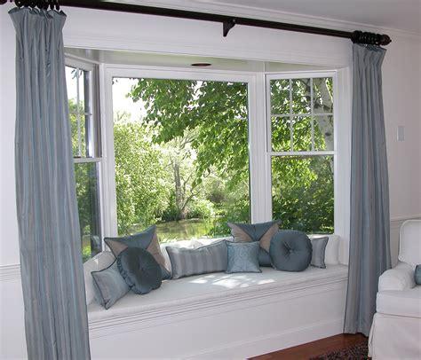 bay and bow window 01 platinum vinyl windows and patio doors