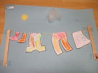 preschool crafts  kids hanging laundry clothes paper