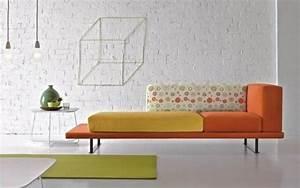 deco salon blanc pour une atmosphere accueillante 80 idees With tapis jaune avec canapé fixe design