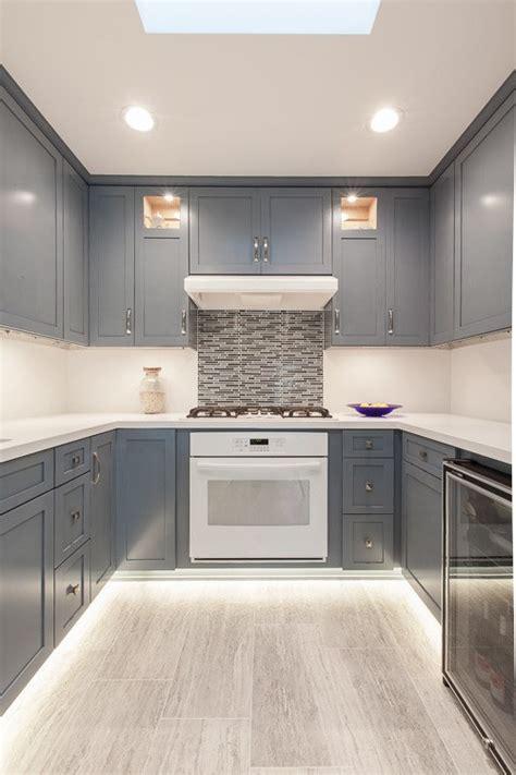 plan de travail ikea cuisine cuisine peinture cuisine moderne avec couleur