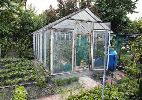 Gewächshaus Im Garten Aufstellen » So Planen Sie Richtig