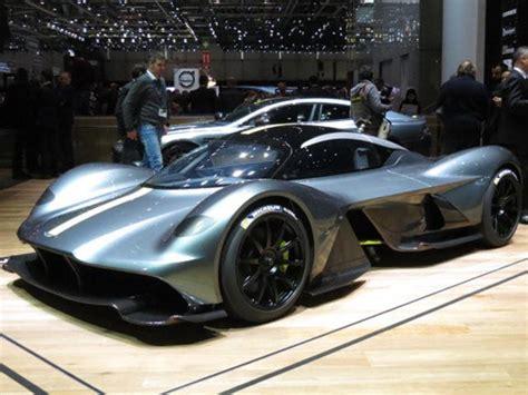 A Mid-engine Aston Martin Supercar Based On The Valkyrie