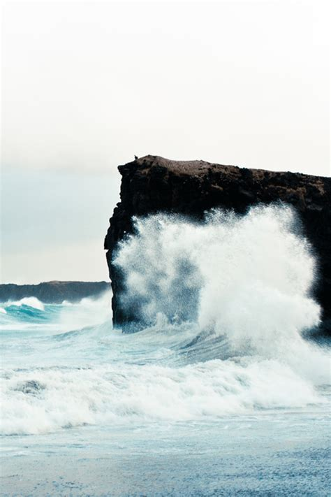 Waves Crashing On The Rocks Tumblr