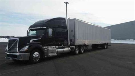 semi volvo truck parts volvo vt880 2006 sleeper semi trucks