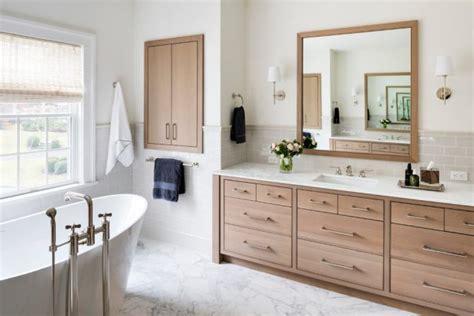 17 Astonishing Transitional Bathroom Interior Designs You