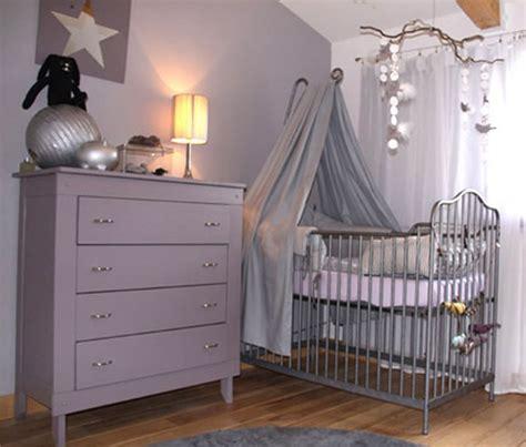 chambre bébé couleur peinture bleu chambre fille