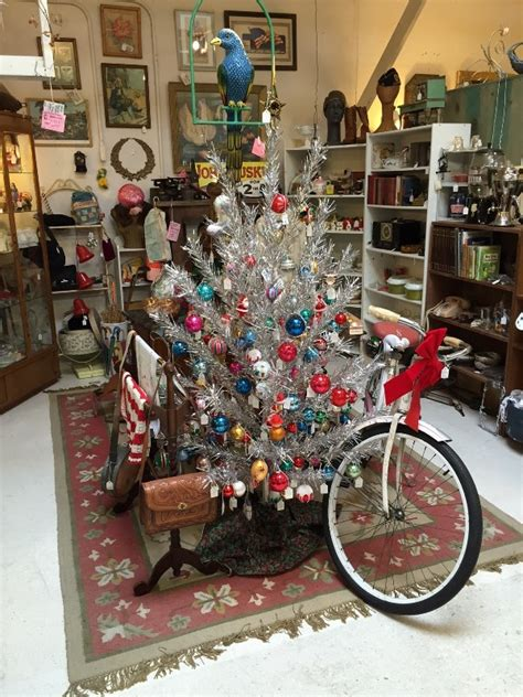 fantastic vintage christmas tree decorations  provide