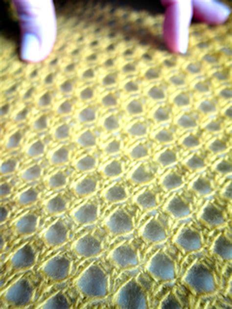 ravelry  orenburg honeycomb lace scarf  knit pattern  galina khmeleva