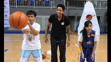 nba wnba players host basketball clinics