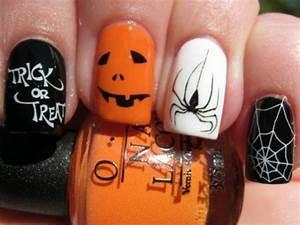 Schöne Halloween Bilder : nagellack ideen f r halloween 40 inspirierende nageldesign bilder halloween halloween ~ Eleganceandgraceweddings.com Haus und Dekorationen