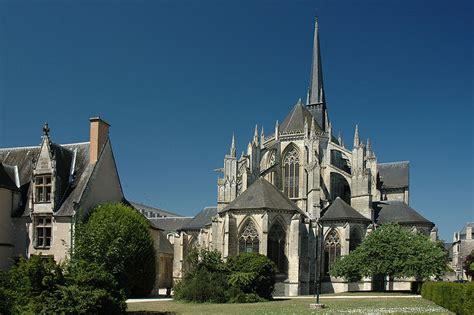 bureau vall vendome l 39 abbaye de la trinité de vendôme monument millénaire