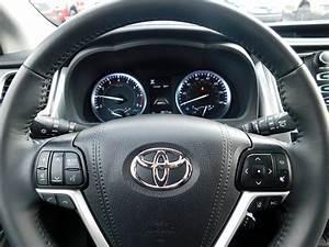 New 2019 Toyota Highlander Se V6 Awd Sport Utility In