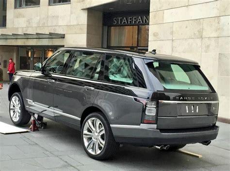range rover ultra luxury model  purportedly debut