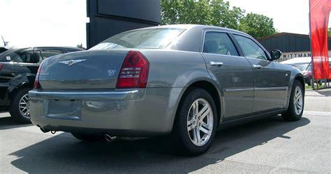 05 300c Specs by 2007 Chrysler 300c Base 4dr Rear Wheel Drive Sedan 5 Spd