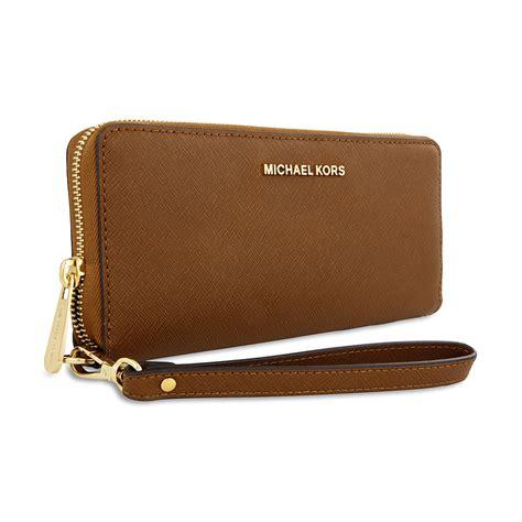 Michael Kors Jet Set Travel Leather Continental Wallet