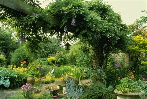 country gardens 5 looks to inspire your very own english country garden