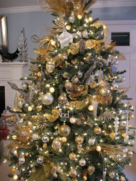 christmas trees decorated in gold and silver 25 gold tree decorations ideas magment