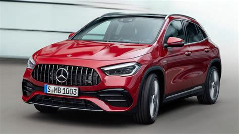 Sandwiched between the gla250 and the bonzo gla 45, the 35 fills a big price gap contributing journalist. New Mercedes-AMG GLA 35 2020 review | Auto Express