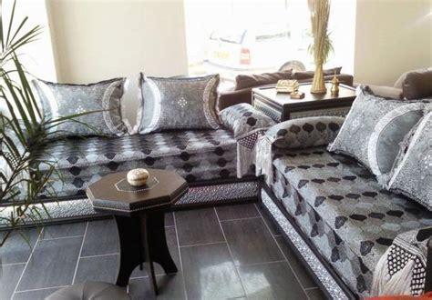 canapé marocain moderne pas cher peindre votre salon marocain avec tadellakt