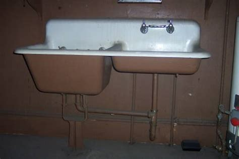 antique farm house sinks   ANTIQUE CAST IRON KITCHEN SINK