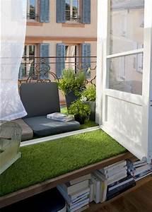 amenagement petit balcon toutes nos idees marie claire With tapis moderne avec mini canapé balcon