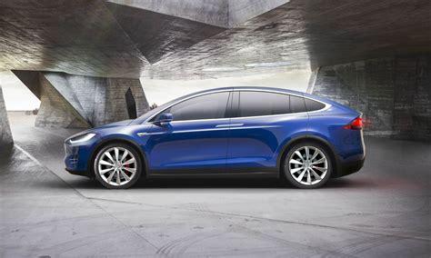 Tesla Model X First Look  » Autonxt