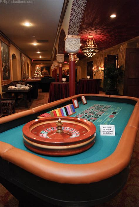 vegas style roulette table   casino parties