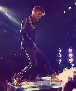 The 21 Best Justin Bieber Dance Moves…Of All Time (GIFS ...