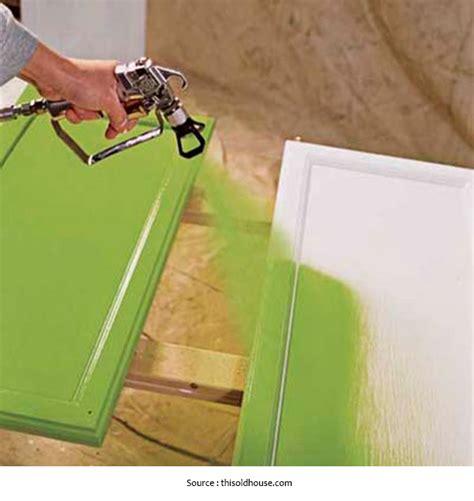 peindre des armoires de cuisine en bois armoire penderie a peindre palzon com