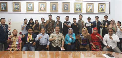 Rektor Universitas Medan Area Mengadakan Pertemuan Dengan ...