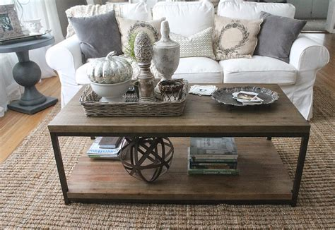 Objects that reflect the feelings of the homeowner when they come together on the coffee table with a balanced combination they take all the looks. 29 Tips for a perfect coffee table styling - BelivinDesign