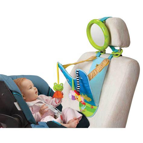 jouet siege auto conseil préparer les premières vacances avec bébé sur