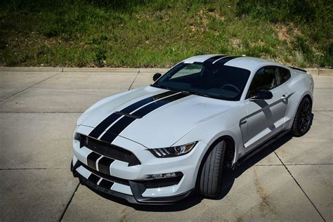 day    shelby mustang gt