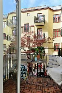 Balkongestaltung Kleiner Balkon : einfache n rdliche balkongestaltung ideen f r kleine fl chen ~ Frokenaadalensverden.com Haus und Dekorationen