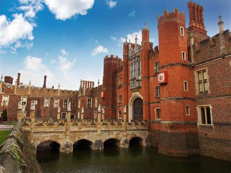 fascinating facts  hampton court palace altmarius