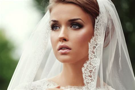 Wedding Makeup : Tips And Tricks To Glow On Your Wedding Day