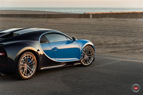 Bugatti chiron, ferrari fxx k, and more!) subscribe to peak time racing: Bugatti Chiron Tries On New Wheels For Size: Hot Or Not ...